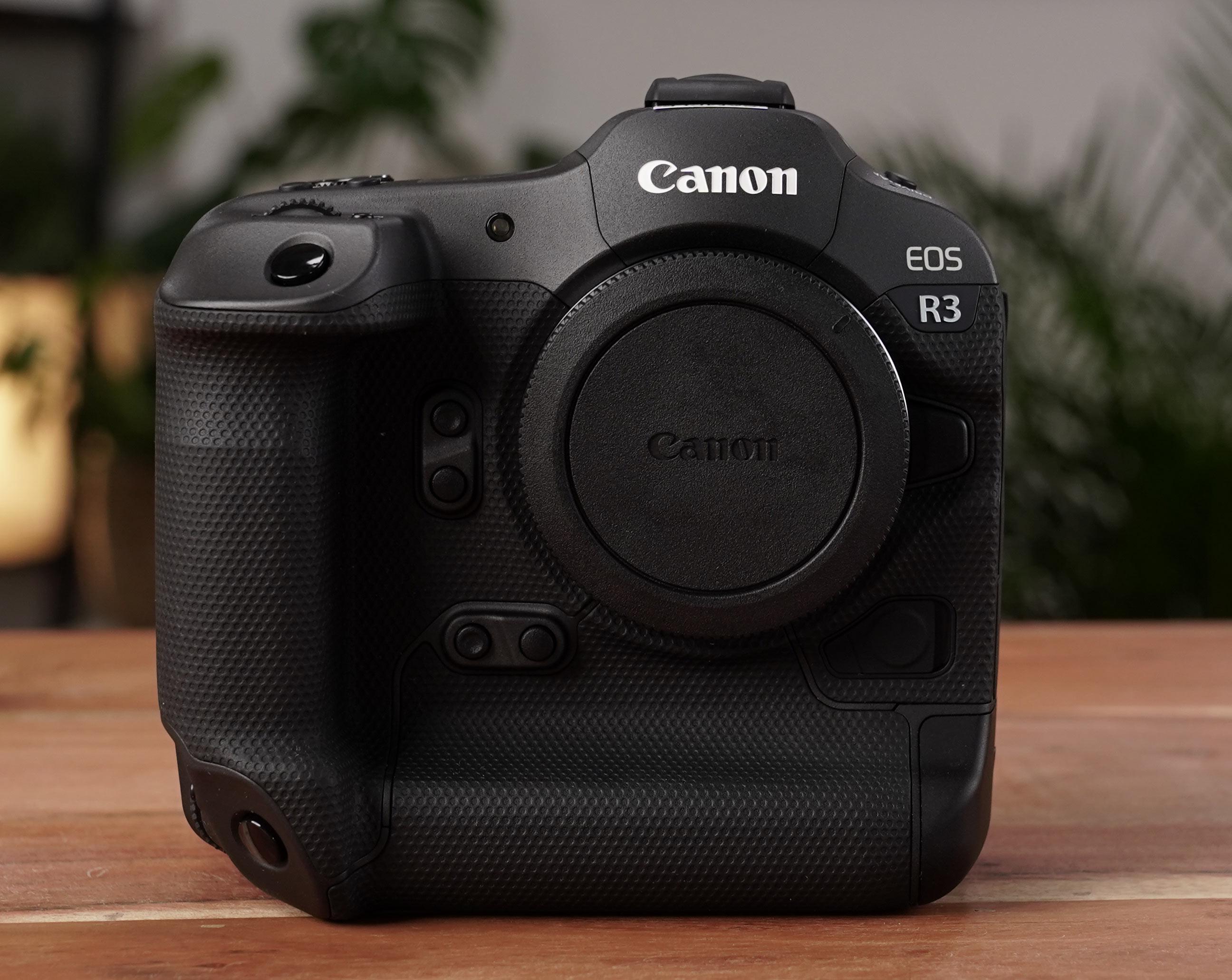 Canon EOS R3 - Front